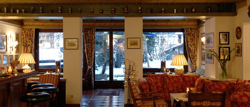 austria_arlberg-ski-area_lech_hotel_haldendorf_bar.jpg